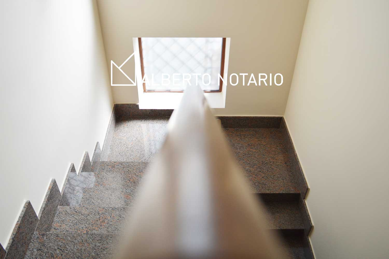 escalera-01-albertonotario